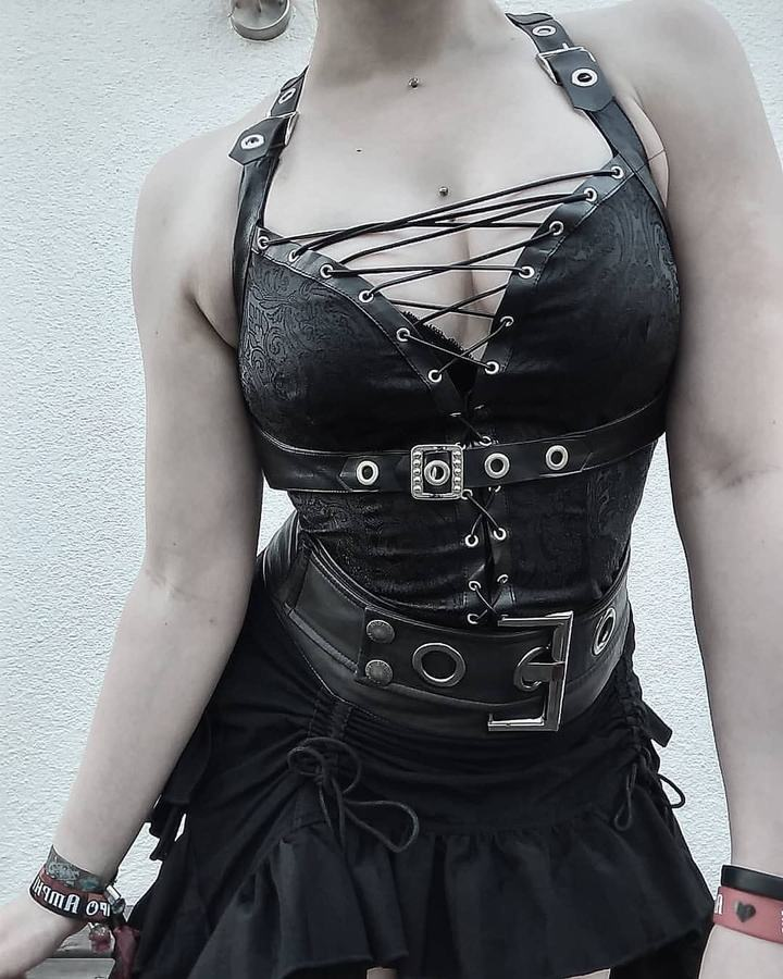 DARK IN LOVE-Gothic Laced Corset